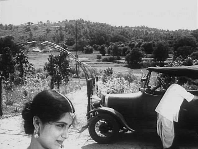 ritwik ghatak ajantrik black and white bengali film