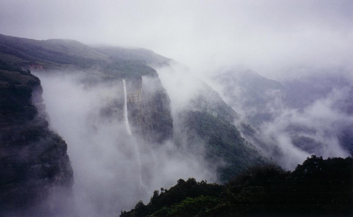 monsoon india rain waterfalls cherrapunji