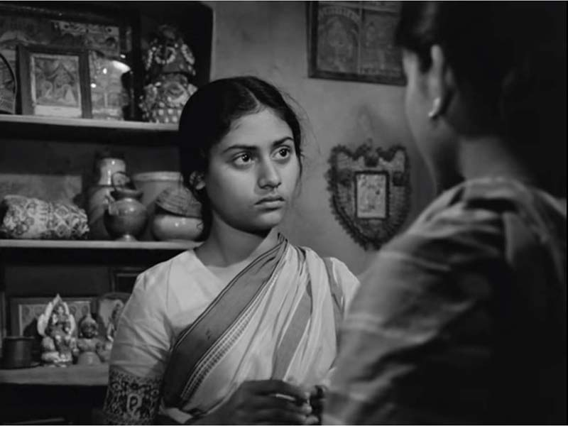 Debut in a Satyajit Ray Movie topshe jaya bhaduri bachchan