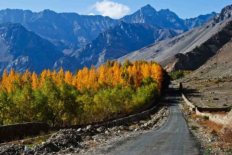 Lahaul and Spiti Valley road, adventure, trek