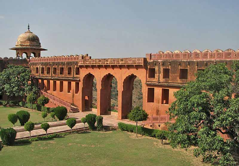 Indian treasure mysteries Jaigarh Fort treasure hunt by Indira Gandhi